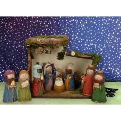 Christmas stable  8 figures...